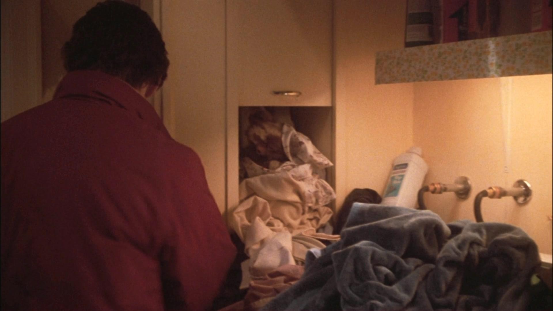 Snímek z filmu Gremlins (1984): poznáte, který výrobek Amway je na snímku?